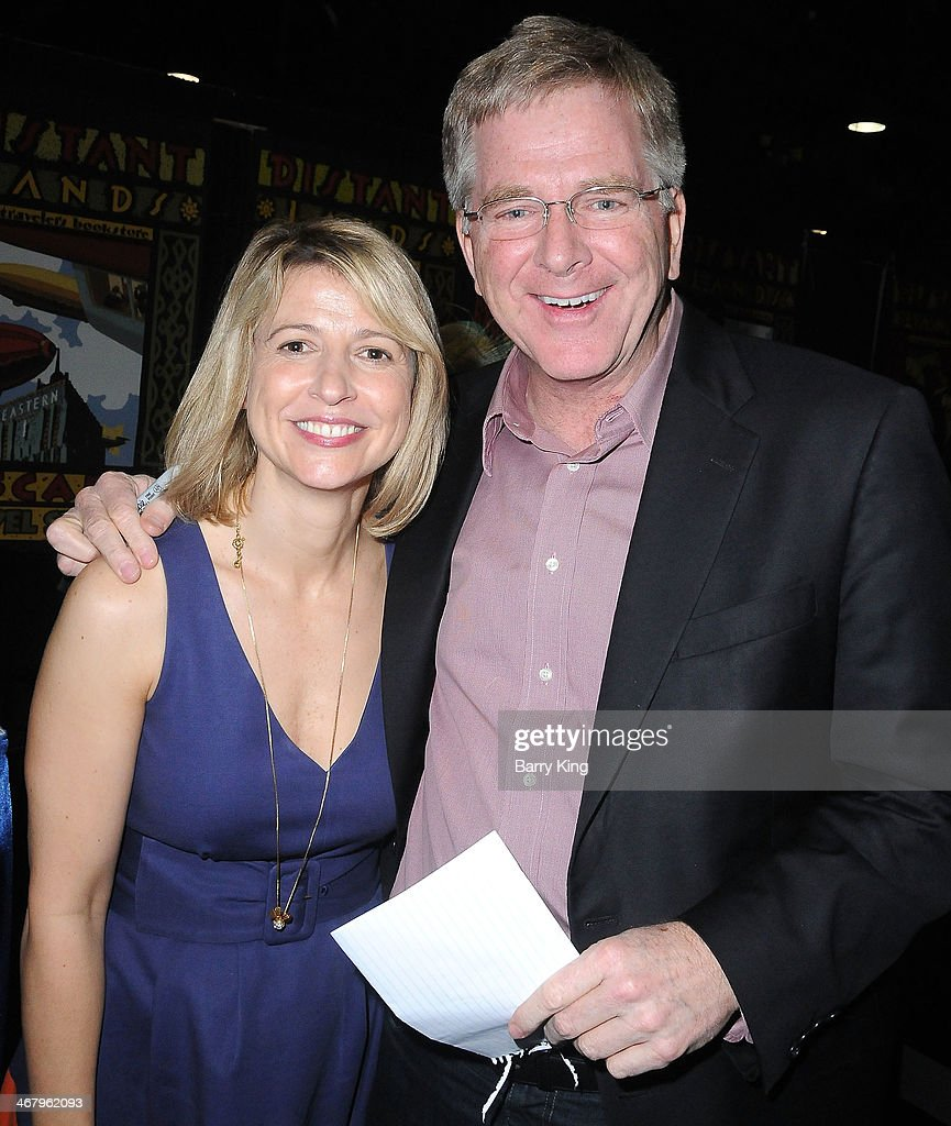Tv personality travel show host samantha brown l and tv personality