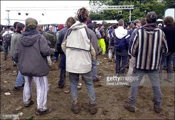 20000 persons at the Rave Party near 'Vieilles Charrues' festival in France on July 22 2001