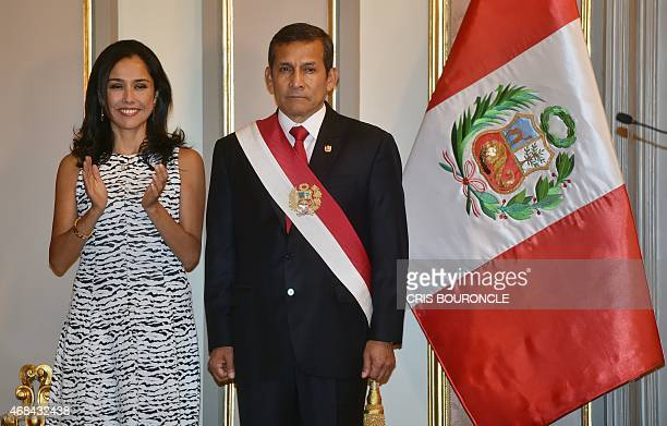 Perus First Couple Nadine Heredia and President Ollanta Humala participate in the swearing in ceremony of the ministerial staff at the Golden Salon...
