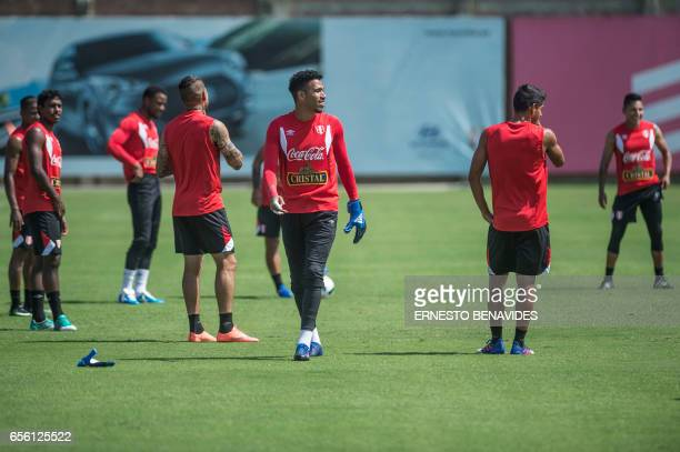 Peru's goalkeaper Pedro Gallese takes part in a training session in Lima on March 21 2017 ahead of their World Cup qualifier matches against...