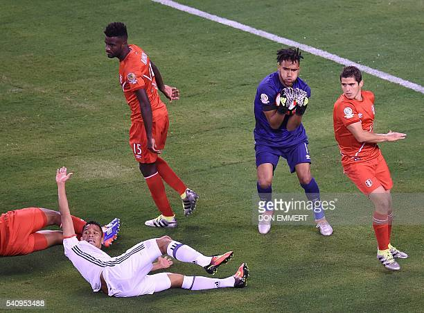 Peru's goalkeeper Pedro Gallese catches the ball during the Copa America Centenario quarterfinal football match against Colombia in East Rutherford...