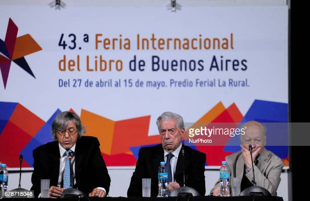 Peru´s Mario Vargas Llosa Argentina´s Alejandro Roemmers and Chile´s Jorge Edwards held a press conference during the International Book Fair in...