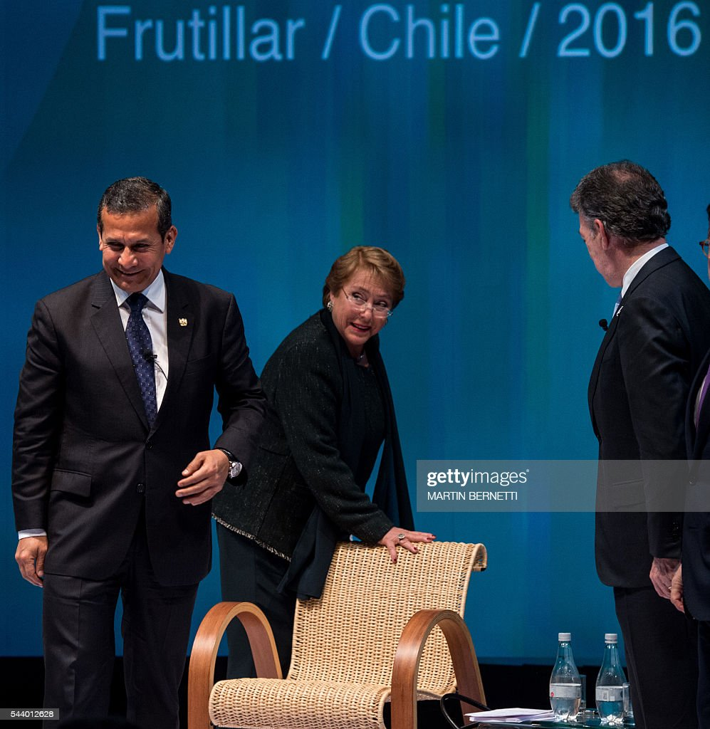 Peru's President Ollanta Humala, Chile's President Michelle Bachelet and Colombia's President Juan Manuel Santos, attend the III Pacific Alliance Business Summit in Frutillar, 1.100 km south of Santiago, Chile, June 30, 2016. / AFP / MARTIN