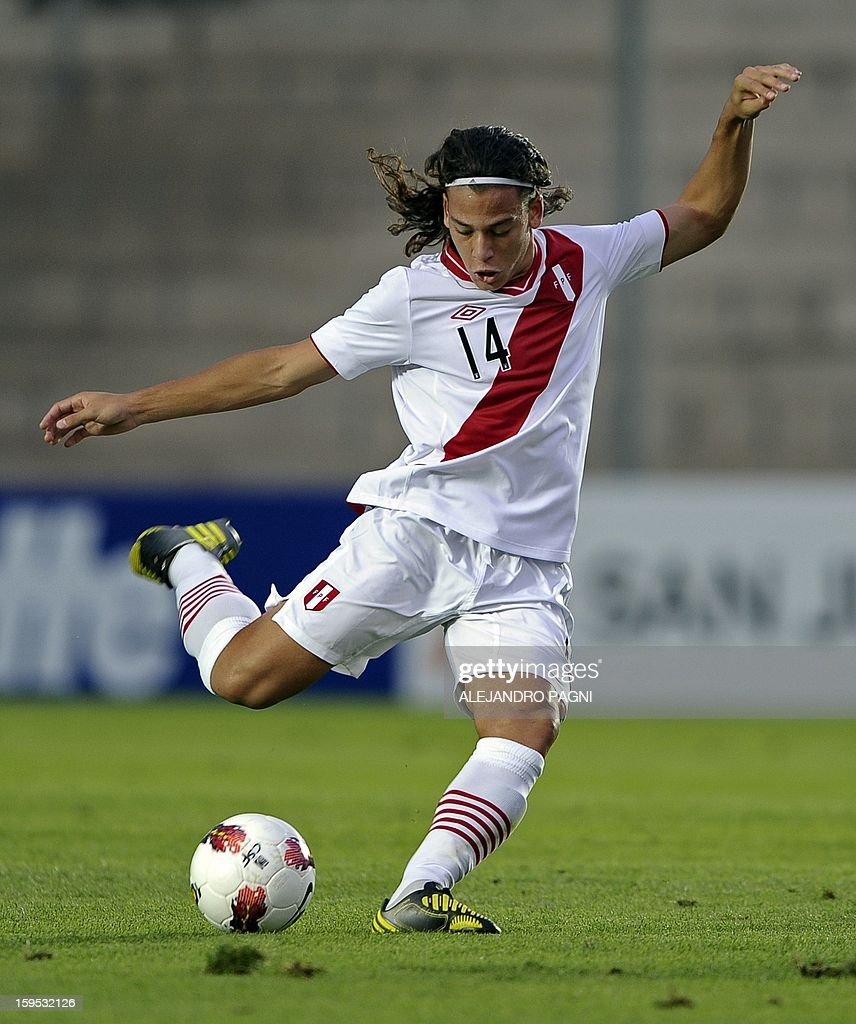 Peruvian forward Cristian Benavente prepares to kicks the ball during their South American U-20 Championship Group B football match against Venezuela, at Bicentenario stadium in San Juan, Argentina, on January 14, 2013. Four South American teams will qualify for the FIFA U-20 World Cup Turkey 2013. Peru won by 1-0.