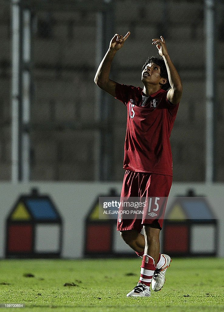 Peruvian midfielder Edison Flores (L) celebrates after scoring the team's second goal against Brazil during their South American U-20 Championship Group B football match, at Bicentenario stadium in San Juan, Argentina, on January 18, 2013. Four teams will qualify for the Turkey 2013 FIFA U-20 World Cup.
