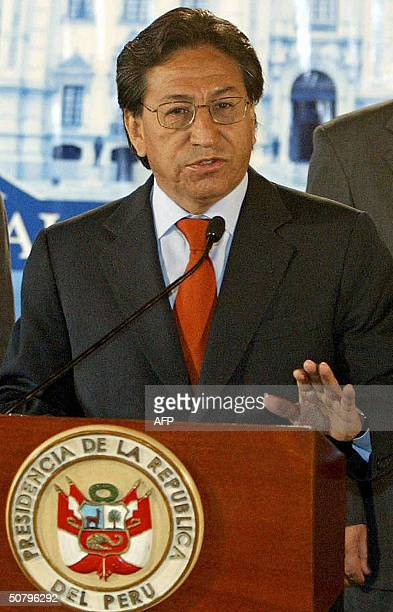 Peruvian President Alejandro Toledo annouces that the US and Peru will start next 18 May negotiations for a Free Trade Agreement in Lima 03 May 2004...