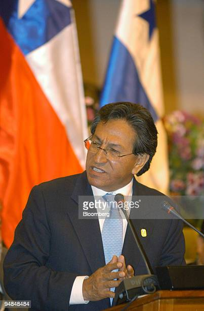 Peruvian President Alejandro Toledo Manrique speaks upon signing the Cusco Declaration deciding the creation of the South American Nations Community...