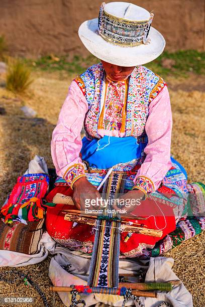 Peruanische Frau Weben nahe der Colca Canyon, Peru