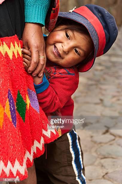 Mulher Peruana, com o seu bebé, a sagrada vale, Cuzco