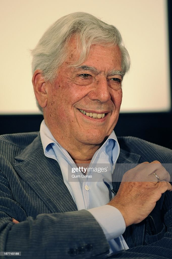 Peruvian writer <a gi-track='captionPersonalityLinkClicked' href=/galleries/search?phrase=Mario+Vargas+Llosa&family=editorial&specificpeople=620765 ng-click='$event.stopPropagation()'>Mario Vargas Llosa</a> attends the press conference for his play 'La Chunga' at Espanol Theatre on April 24, 2013 in Madrid, Spain.