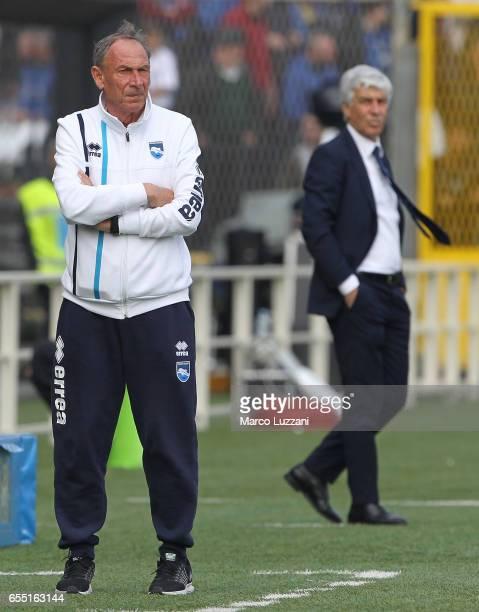 Pescara Calcio coach Zdenek Zeman and Atalanta BC coach Gian Piero Gasperini look on during the Serie A match between Atalanta BC and Pescara Calcio...