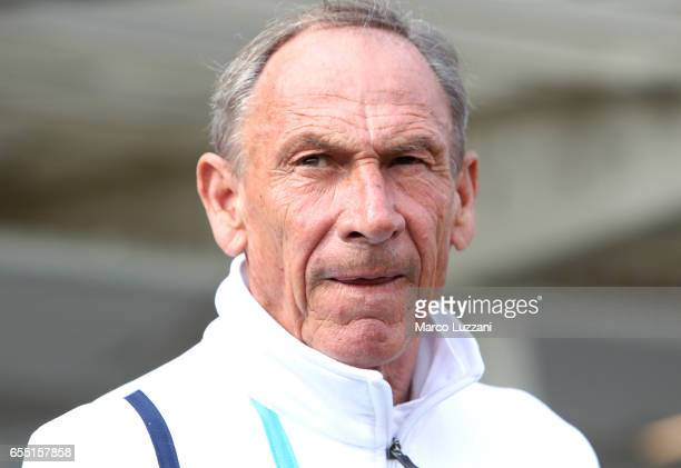 Pescara Calcio coach Zdenek Zeman looks on before the Serie A match between Atalanta BC and Pescara Calcio at Stadio Atleti Azzurri d'Italia on March...