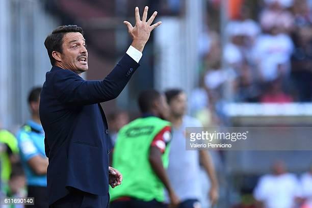 Pescara Calcio head coach Massimo Oddo gestures during the Serie A match between Genoa CFC and Pescara Calcio at Stadio Luigi Ferraris on September...