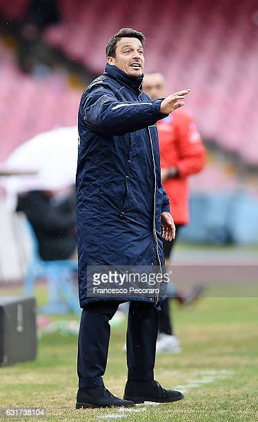 Pescaras coach Massimo Oddo gestures during the Serie A match between SSC Napoli and Pescara Calcio at Stadio San Paolo on January 15 2017 in Naples...