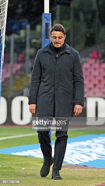 Pescara's coach Massimo Oddo is being expelled by the referee during the Serie A match between SSC Napoli and Pescara Calcio at Stadio San Paolo on...