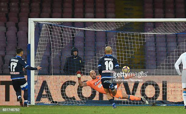 Pescara's player Gianluca Caprari scores the 31 goal during the Serie A match between SSC Napoli and Pescara Calcio at Stadio San Paolo on January 15...
