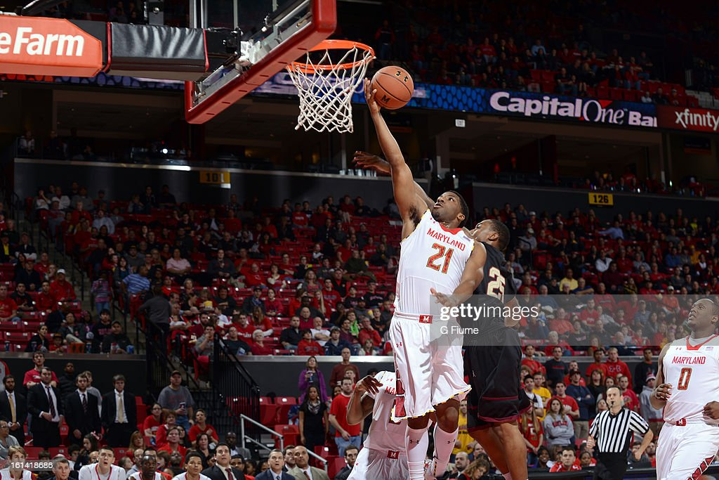Pe'Shon Howard #21 of the Maryland Terrapins drives to the hoop against the IUPUI Jaguars at the Comcast Center on January 1, 2013 in College Park, Maryland.