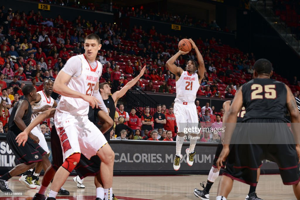 Pe'Shon Howard #21 of the Maryland Terrapins shoots the ball against the IUPUI Jaguars at the Comcast Center on January 1, 2013 in College Park, Maryland.
