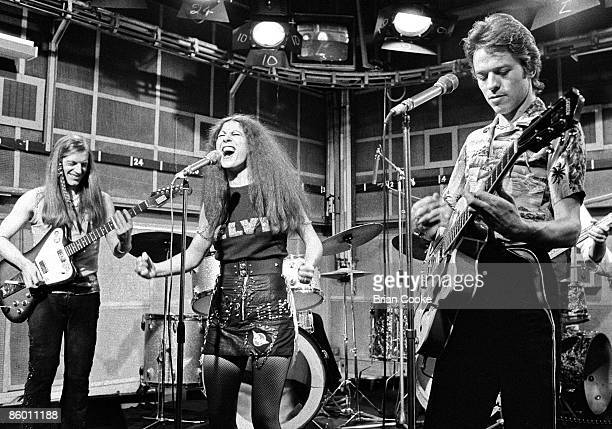 Pete Gage Elkie Brooks and Robert Palmer of Vinegar Joe perform on The Old Grey Whistle Test at the BBC in London on October 29 1973