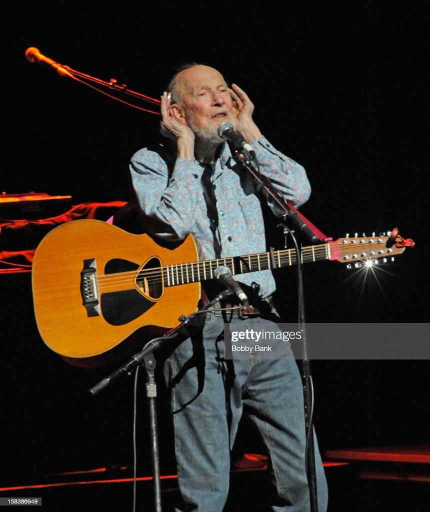 <a gi-track='captionPersonalityLinkClicked' href=/galleries/search?phrase=Pete+Seeger&family=editorial&specificpeople=213821 ng-click='$event.stopPropagation()'>Pete Seeger</a> performs at The Beacon Theatre on December 14, 2012 in New York City.