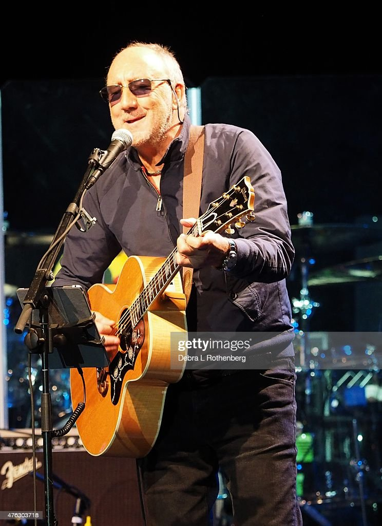 Pete Townsend performs onstage at the 11th Annual MusiCares Map Fund Benefit Concert at Best Buy Theater on May 28, 2015 in New York City.