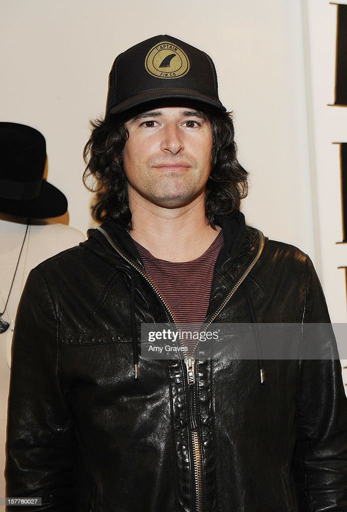 Pete Yorn attends Beth Yorn's Jewelry Show at Roseark on December 5, 2012 in West Hollywood, California.