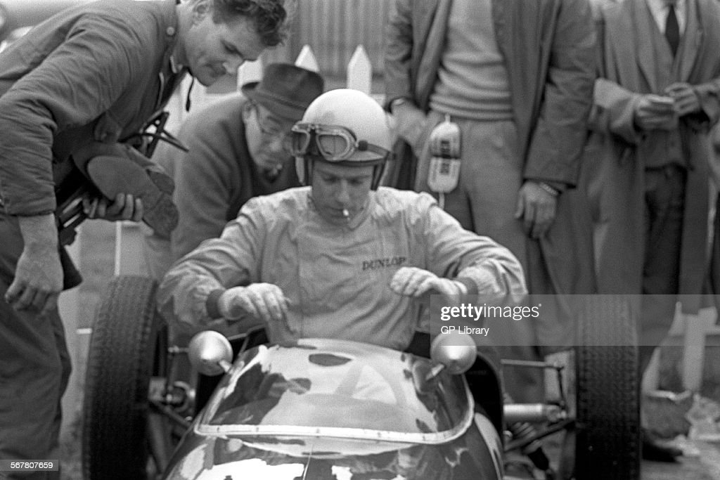 Peter Arundell team Lotus's King of Formula Junior finished 2nd in the Lotus 20 mechanic is Ray Parsons XIII Chichester Cup Goodwood England Easter 3...