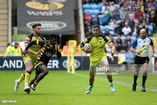 Peter Betham of Leicester Tigers runs with the ball during the Aviva Premiership match between Wasps and Leicester Tigers at The Ricoh Arena on May...