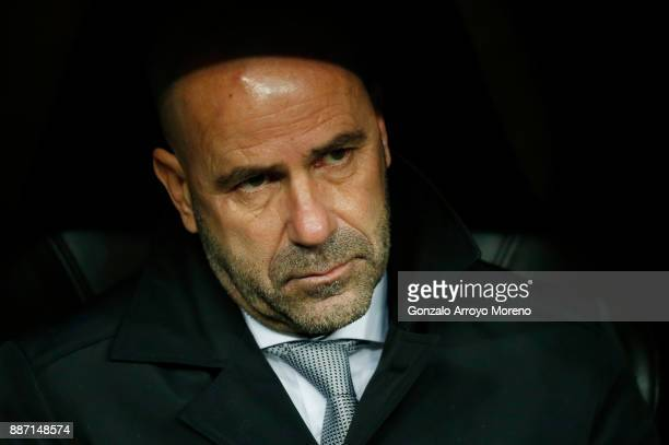 Peter Bosz head coach of Borussia Dortmund during the UEFA Champions League group H match between Real Madrid and Borussia Dortmund at Estadio...