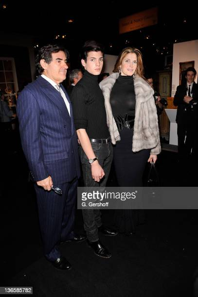 Peter Brant Peter Brant Jr and Stephanie Seymour attend the opening night of the 57th annual Winter Antiques Show at the Park Avenue Armory on...