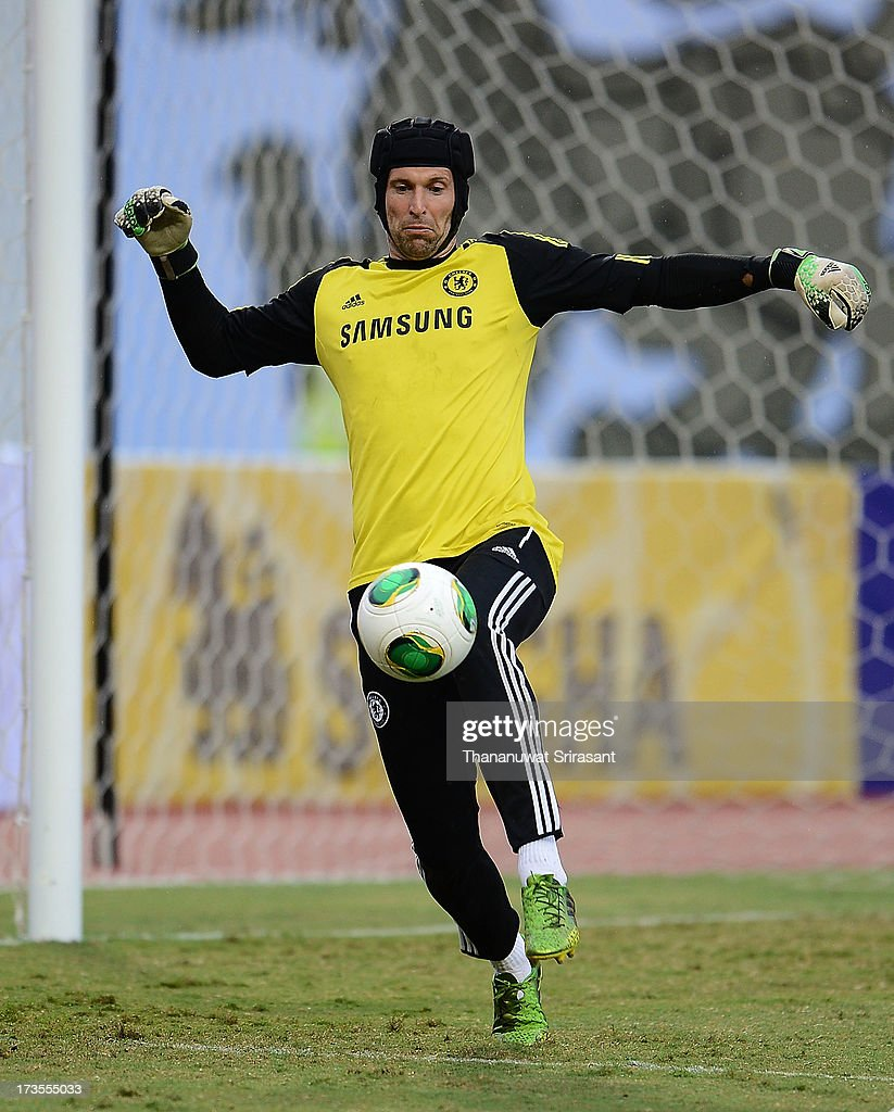 Peter Cech in action during a Chelsea FC training session at Rajamangala Stadium on July 16, 2013 in Bangkok, Thailand.