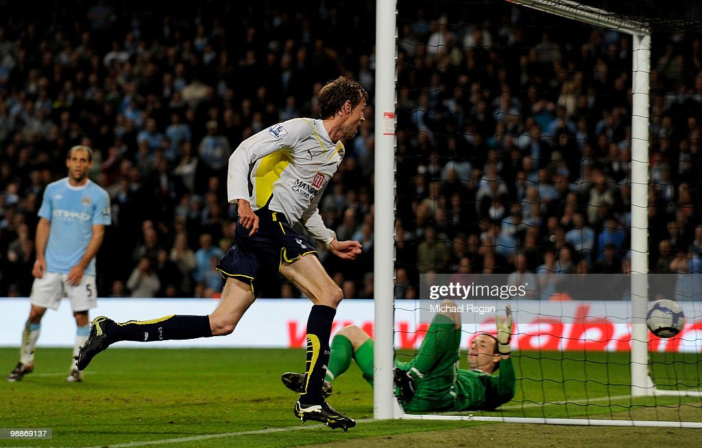 Peter Crouch of Tottenham Hotspur celebrates scoring the opening goal during the Barclays Premier League match between Manchester City and Tottenham Hotspur at the City of Manchester Stadium on May 5, 2010 in Manchester, England.