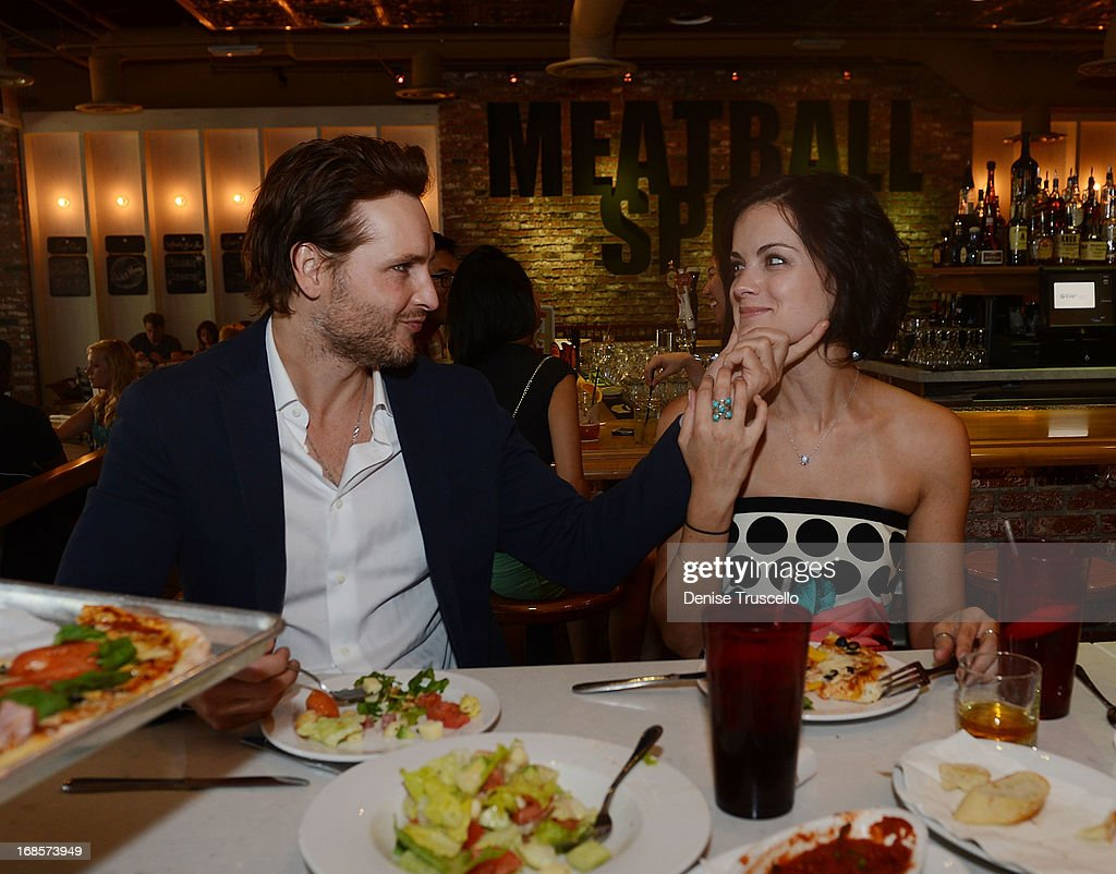 <a gi-track='captionPersonalityLinkClicked' href=/galleries/search?phrase=Peter+Facinelli&family=editorial&specificpeople=233464 ng-click='$event.stopPropagation()'>Peter Facinelli</a> and <a gi-track='captionPersonalityLinkClicked' href=/galleries/search?phrase=Jaimie+Alexander&family=editorial&specificpeople=544496 ng-click='$event.stopPropagation()'>Jaimie Alexander</a> dine at Meatball Spot at Town Square Las Vegas on May 11, 2013 in Las Vegas, Nevada.