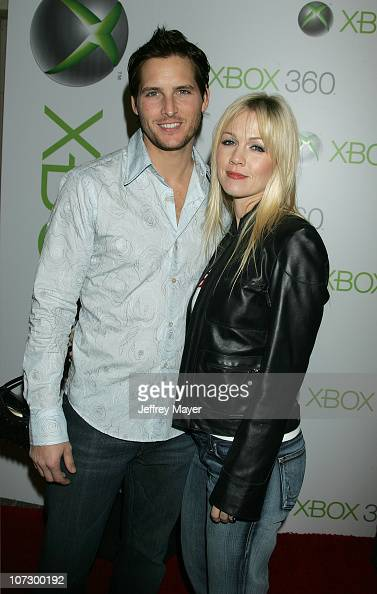 Peter Facinelli and Jennie Garth during Snoop Dogg Fergie and Wilmer Valderrama Host Exclusive Xbox 360 Launch Party Arrivals at Private Home in...