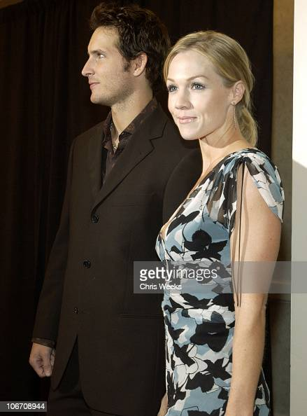 Peter Facinelli and wife Jennie Garth during The Lili Claire Foundation's 6th Annual Benefit Hosted by Matthew Perry Red Carpet Arrivals at The...