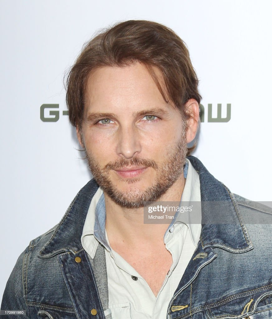 <a gi-track='captionPersonalityLinkClicked' href=/galleries/search?phrase=Peter+Facinelli&family=editorial&specificpeople=233464 ng-click='$event.stopPropagation()'>Peter Facinelli</a> arrives at the grand opening of the Leica Store Los Angeles held on June 20, 2013 in Los Angeles, California.
