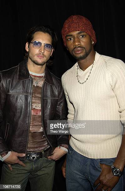 Peter Facinelli Bill Bellamy during Peter Facinelli and Bill Bellamy Promote 'Fastlane' on MTV's 'TRL' October 30 2002 at MTV Times Square Studios in...