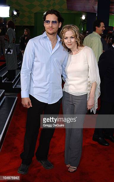 Peter Facinelli Jennie Garth during 'The Scorpion King' Premiere at Universal Amphitheatre in Universal City California United States
