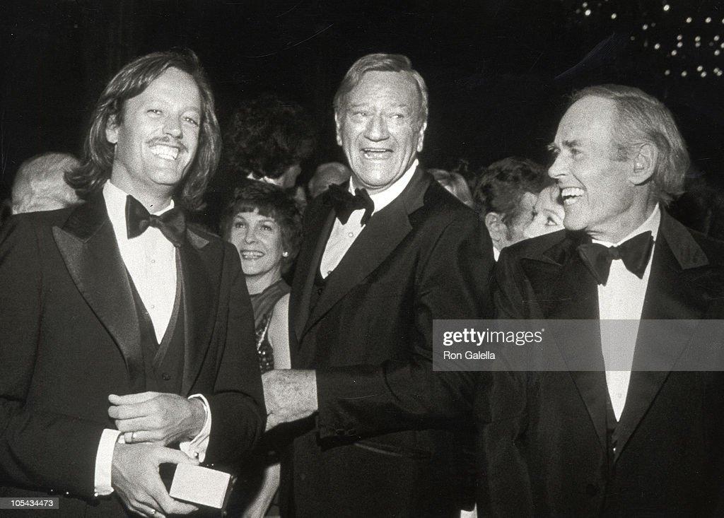 Peter fonda john wayne and henry fonda during american film institute