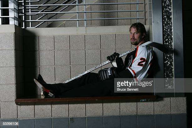 Peter Forsberg poses for a portrait after signing a free agent contract with the Philadelphia Flyers on August 15 2005 at the Wachovia Center in...