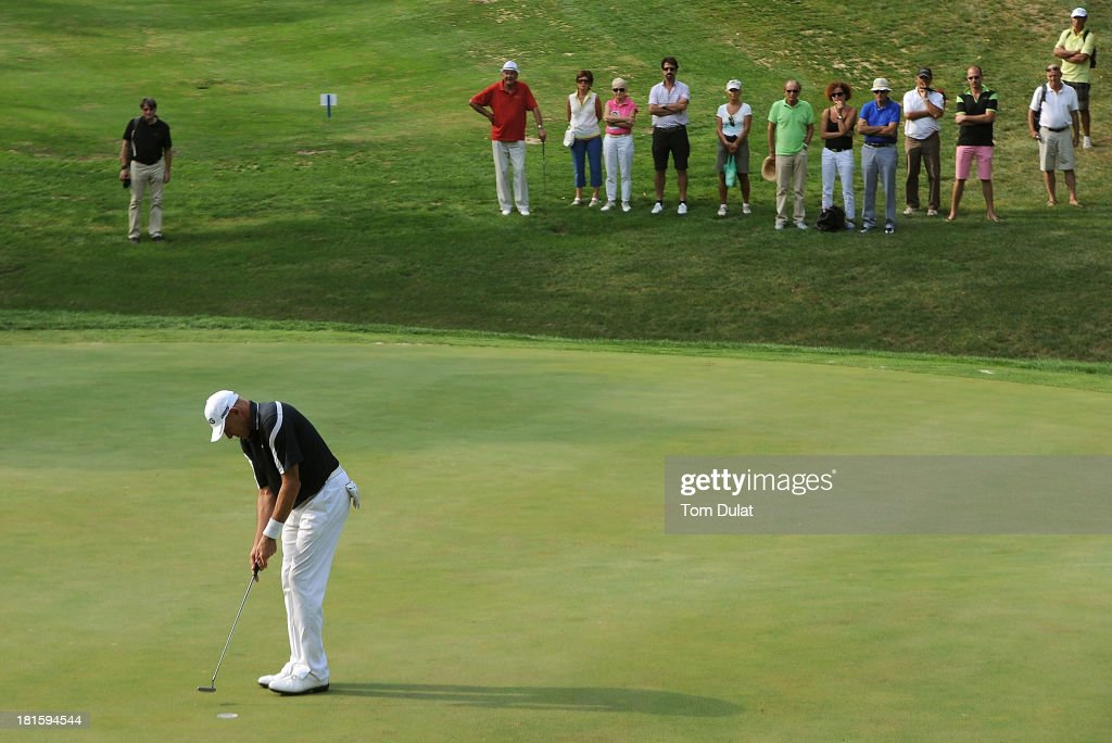 <a gi-track='captionPersonalityLinkClicked' href=/galleries/search?phrase=Peter+Fowler+-+Golfer&family=editorial&specificpeople=14698628 ng-click='$event.stopPropagation()'>Peter Fowler</a> of Australia makes a putt during the final round of the French Riviera Masters played over the Chateau Course, Terre Blanche Resort on September 22, 2013 in Provencheres-sur-Fave, France.