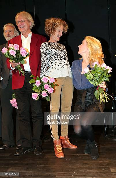 Peter Fricke Kathrin Ackermann and her daughter Dr Maria Furtwaengler during the 'Gluecklich die Gluecklichen' premiere at Komoedie im Bayerischen...