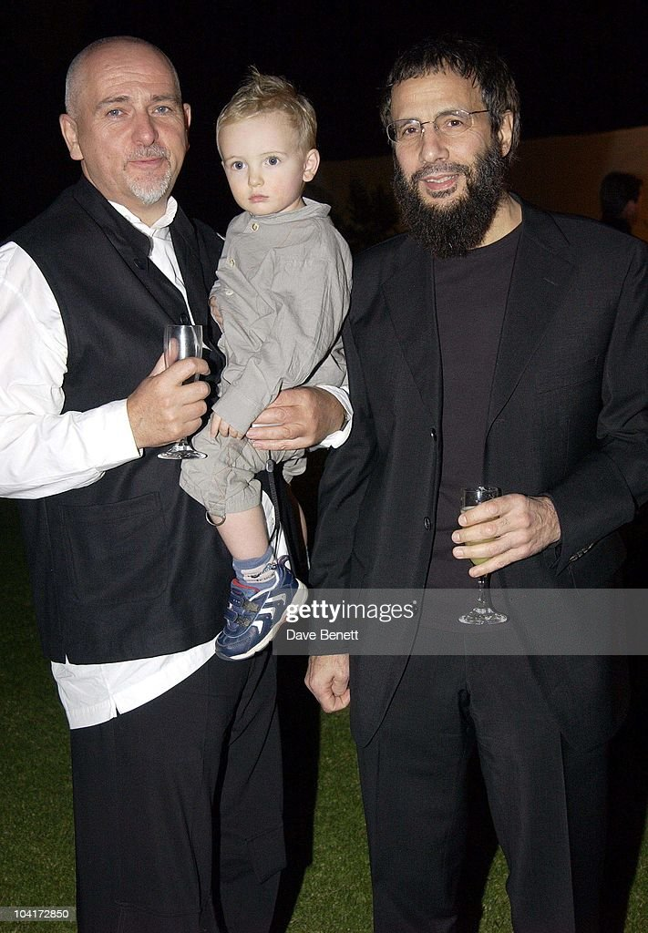 Peter Gabriel With His Son And Yusaf Islam (cat Stevens), The Stars Of Rock And Roll Join Forces For Nelson Mandela's 46664 Concert In Cape Town, South Africa. In The Pre, Concert Build Up, This Evening A Gala Dinner Was Held At The Vergelegen Estate Outside Cape Town, South Africa Gears Up For Aids Awareness Mandela Concert 46664. The Concert Is In Association With Mtv's Staying Alive & Www.46664.com Powered By Tiscali.