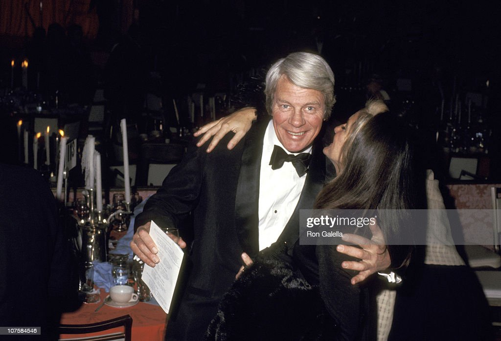 <a gi-track='captionPersonalityLinkClicked' href=/galleries/search?phrase=Peter+Graves&family=editorial&specificpeople=92327 ng-click='$event.stopPropagation()'>Peter Graves</a> and Mary Lou Wiley Connors