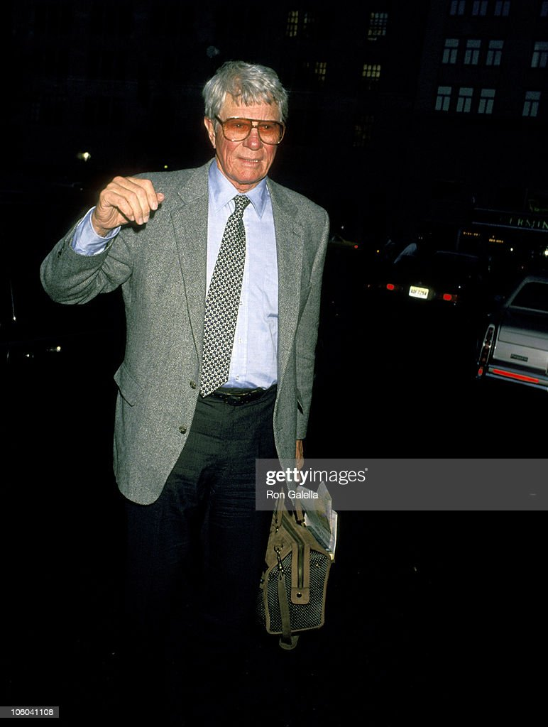 how tall is peter graves