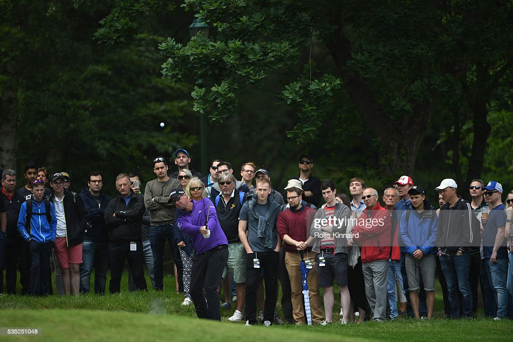 <a gi-track='captionPersonalityLinkClicked' href=/galleries/search?phrase=Peter+Hanson&family=editorial&specificpeople=217256 ng-click='$event.stopPropagation()'>Peter Hanson</a> of Sweden hits an approach on the 4th hole during day four of the BMW PGA Championship at Wentworth on May 29, 2016 in Virginia Water, England.
