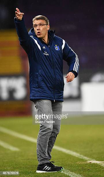 Peter Knaebel head coach of Hamburg reacts during his first game in charge as head coach during a friendly match between VfL Osnabrueck and Hamburger...
