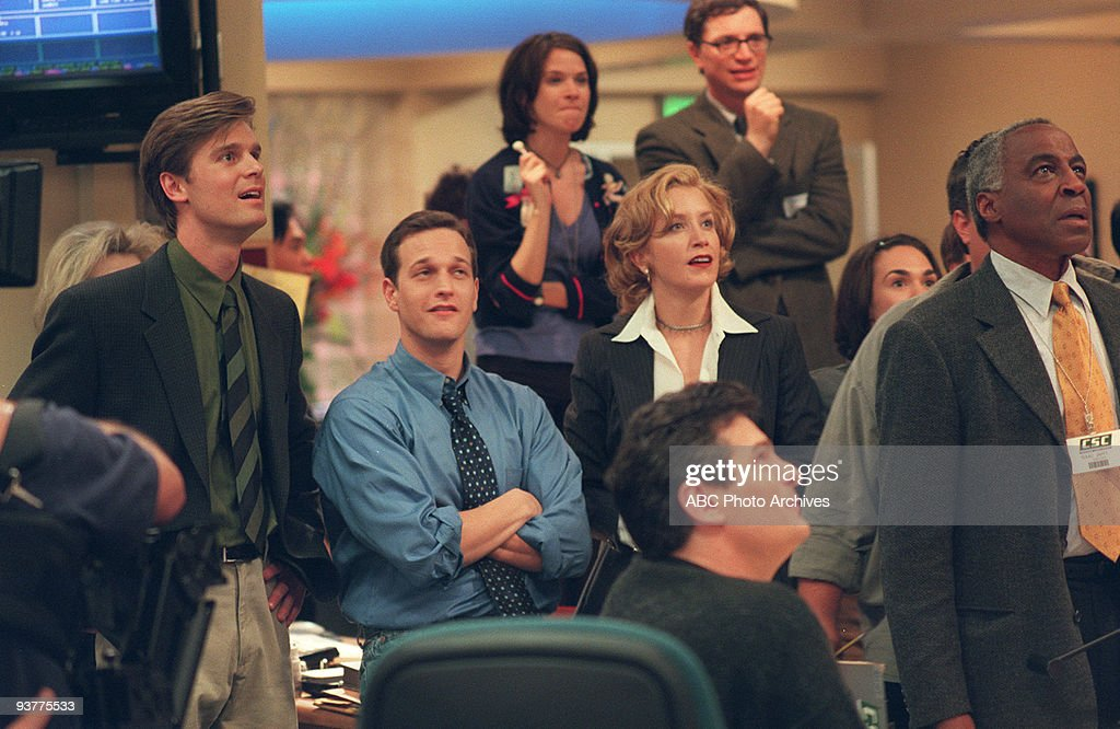 NIGHT 1998 2000 Peter Krause Josh Charles Sabrina Lloyd Felicity Huffman Joshua Malina Robert Guillaume on the ABC Television Network comedy 'Sports...