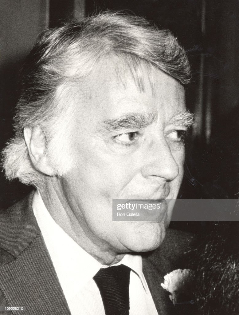 <a gi-track='captionPersonalityLinkClicked' href=/galleries/search?phrase=Peter+Lawford&family=editorial&specificpeople=85811 ng-click='$event.stopPropagation()'>Peter Lawford</a> during Jimmy Durante's Funeral at Good Shepard Church in Beverly Hills, California, United States.
