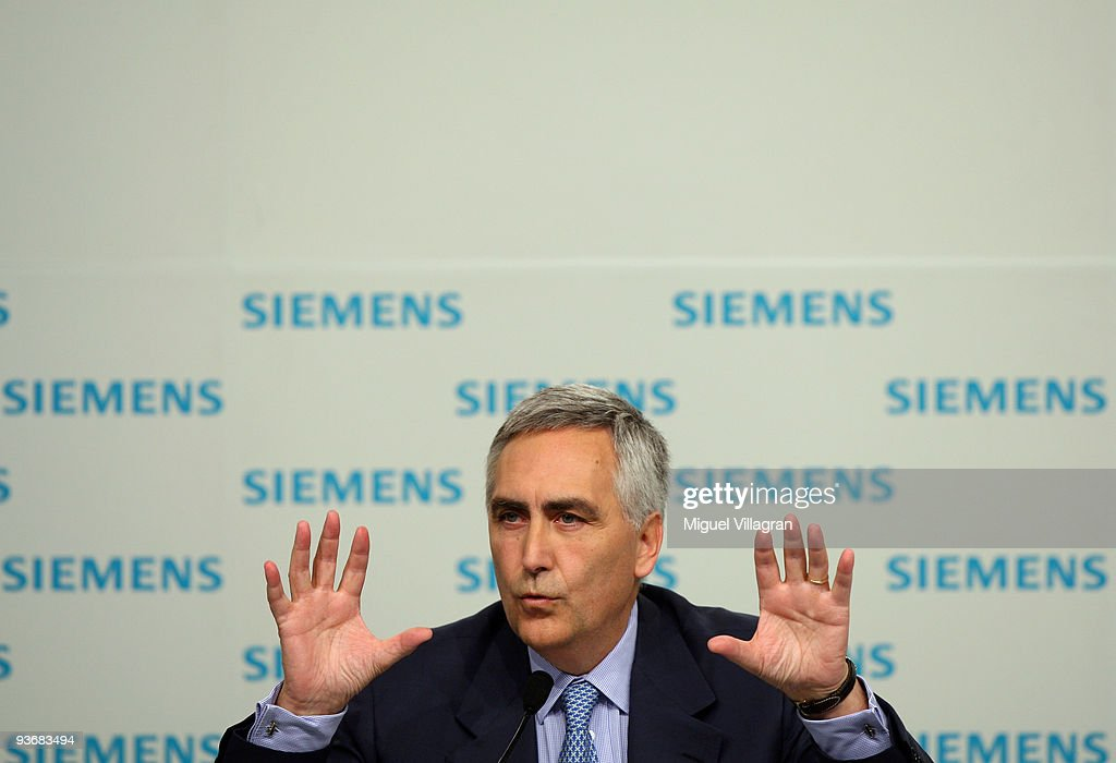 <a gi-track='captionPersonalityLinkClicked' href=/galleries/search?phrase=Peter+Loescher&family=editorial&specificpeople=4296846 ng-click='$event.stopPropagation()'>Peter Loescher</a>, CEO of German industrial giant Siemens, addresses the media during the annual press conference on December 3, 2009 in Munich, Germany. Siemens expects its operating profit to decline this fiscal year.